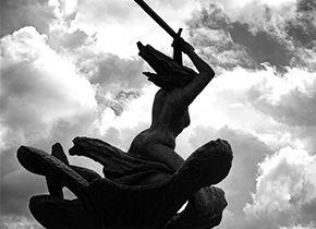 "Die Statue des Dichters Miklós Zrínyi ""Adria in sirénája"""