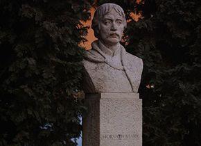 Horváth Márk várkapitány szobra