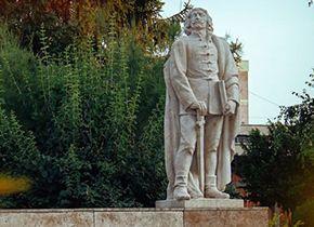 Die Statue des Dichters Zrínyi Miklós